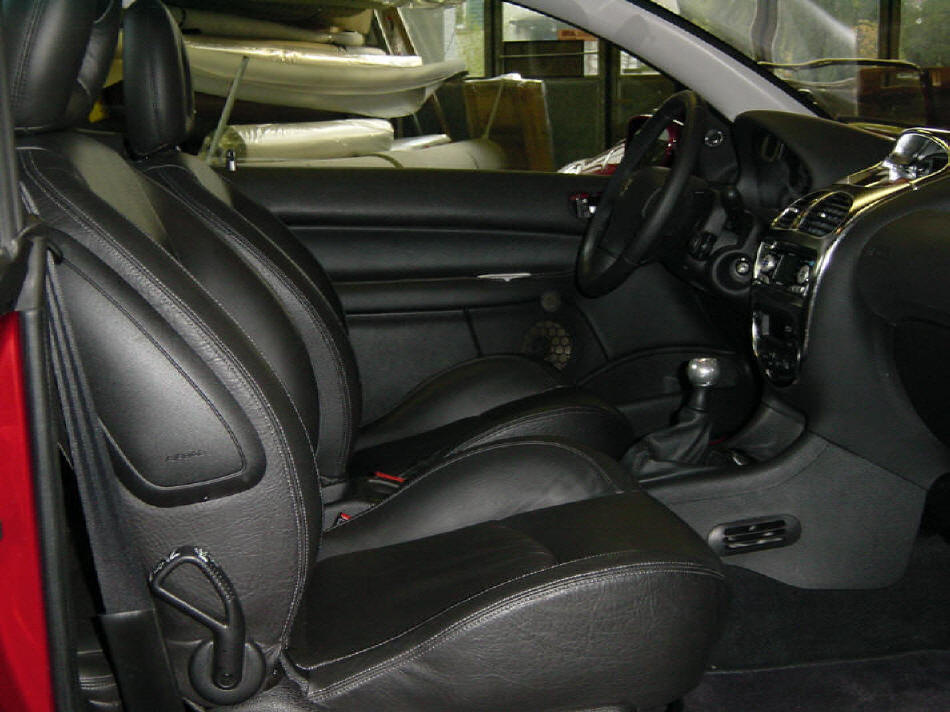 Peugeot 206 CC. Mit iIndividuellem Interieur